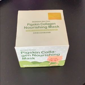 NWT Brand new pigskin collagen and nourishing mask